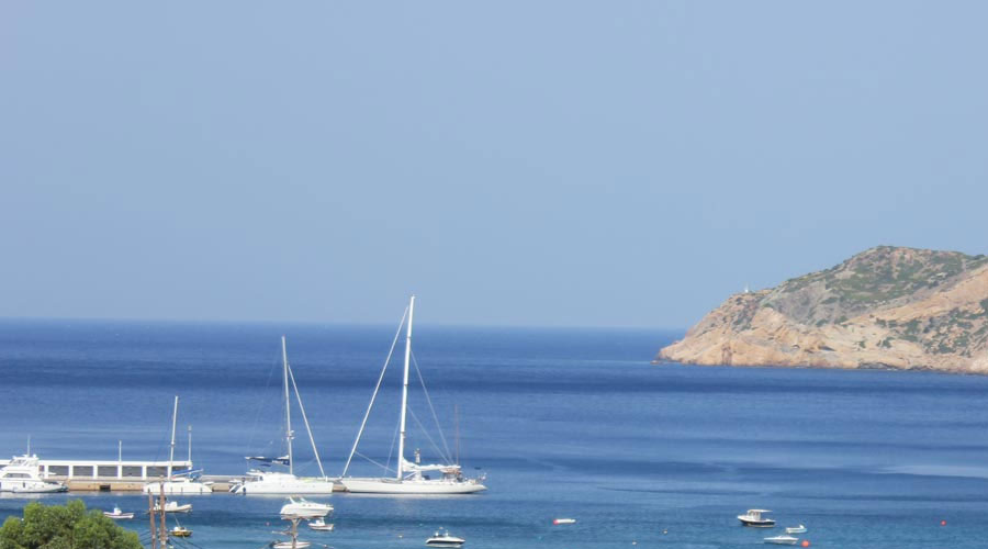 Sifnos Yacht charter